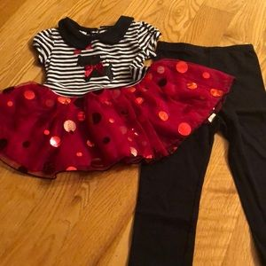 Adorable 2 piece tunic and matching black leggings